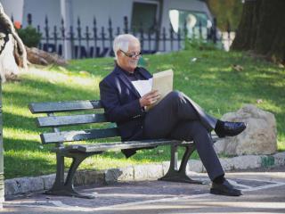 обои Не стареющий бизнесмен фото
