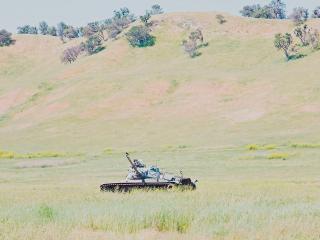 обои Брошенный танк времен войны фото