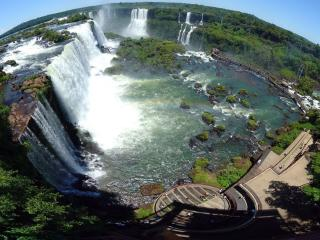 обои для рабочего стола: Самый большой водопад в Игуасе имеет необычное название - глотка дьявола