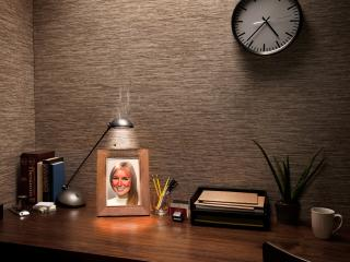 обои Лампа поджаривает портрет девушки фото