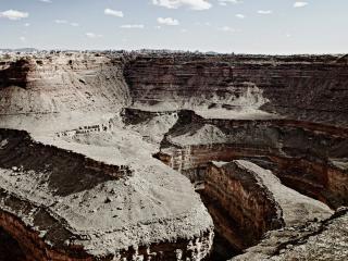 обои для рабочего стола: Мрачный пустынный каньон