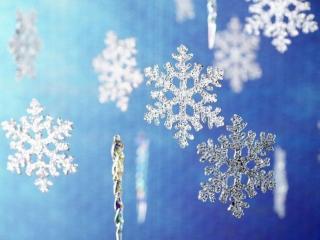 обои Снежинки и сосульки. Новогоднее украшение фото