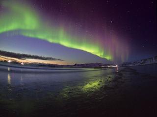 обои Северное сияние над заливом фото