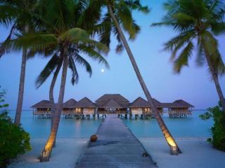 обои Безоблачная погода на Мальдивах фото