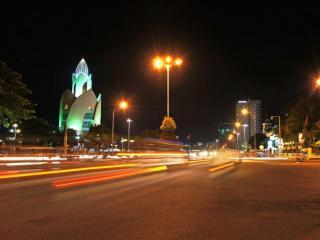 обои для рабочего стола: Ночной Нячанг. Вьетнам