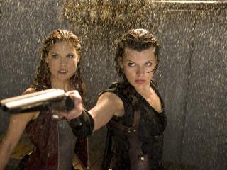 обои Две девушки и пистолет фото