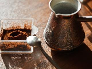 обои для рабочего стола: Турка и молотый кофе