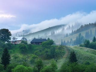 обои для рабочего стола: Деревенька в горах