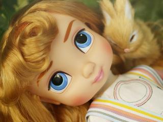 обои Кукла с зайчиком фото