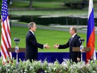обои для рабочего стола: Владимир Путин и Джордж Буш