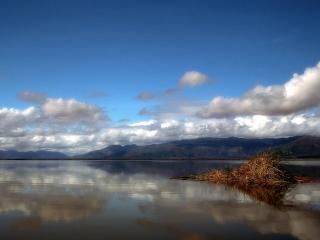 обои Спокойная гладь озера фото