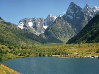 обои Форельное озеро, Теберда-Домбай фото