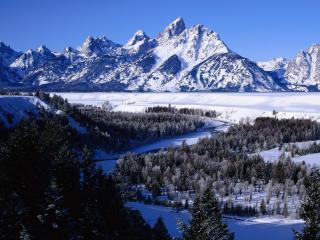 обои Почти замерзшая река фото