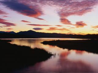 обои Небольшая река на закате фото