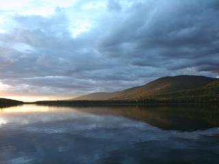 обои Отражение неба в воде фото