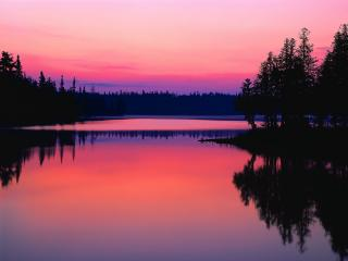 обои Озеро на фоне розового заката фото
