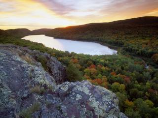 обои Lake of the Clouds at Sunset, Michigan фото