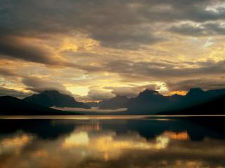 обои McDonald Lake, Glacier National Park, Montana фото