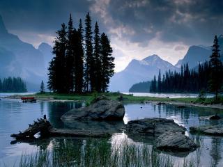 обои Spirit Island Maligne Lake, Jasper National Park фото