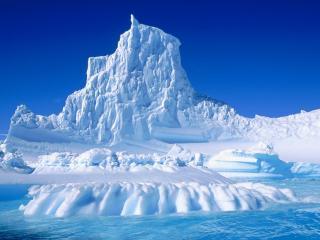 обои Высокий ледяной айсберг фото