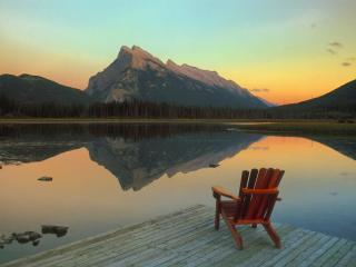 обои Vermillion Lake Escape, Mount Rundle Reflected, Canada фото