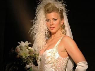 обои Ева Хаберманн в свадебном платье фото