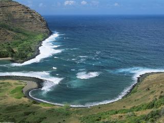 обои Black Sand Beach on Molokai, Hawaii фото