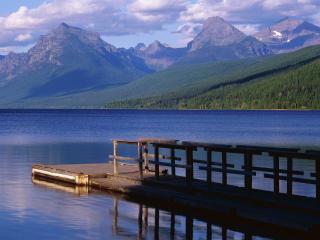 обои Boat Dock, Lake McDonald, Montana фото