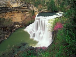 обои Burgess Falls in Early Spring, Tennessee фото