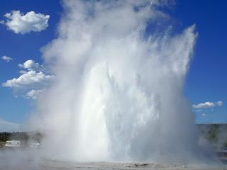 обои Волна Большого фонтана фото