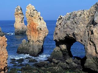 обои Скалы в воде, Португалия фото