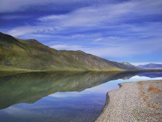 обои A Rare Calm Day at Lake Peters фото