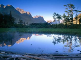 обои Lakeside Pond, St. Mary Lake, Montana фото