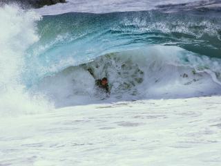 обои Matt Larson Bodysurfing under a Razor Rip, Wedge, Newport Beach, California фото