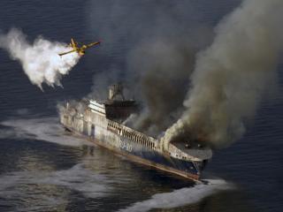 обои Пожар на судне фото