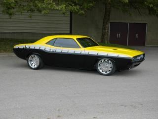 обои Желто-черный Mustang сбоку фото