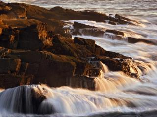 обои Granite Coastline at Sunrise, Acadia National Park фото