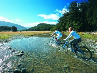 обои Cycling-Takaro-Peace-Resort фото