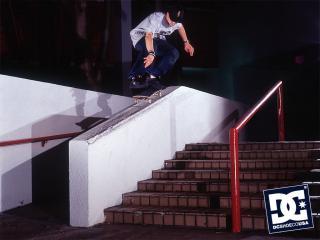 обои Скейтер на лестнице фото