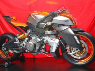 обои Aprilia - агрессивный мотоцикл фото