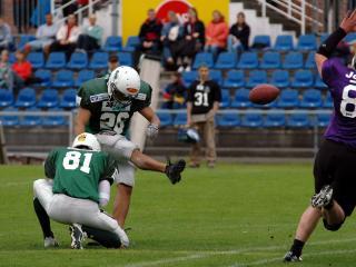 обои American Football Kick фото