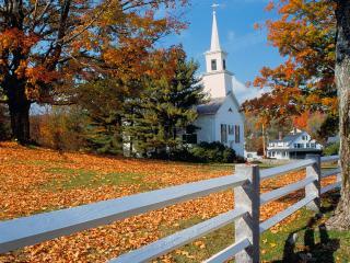 обои Church in Fall Splendor, New England фото