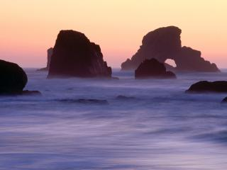 обои Evening Falls over Sea Stacks, Ecola State Park, Oregon фото