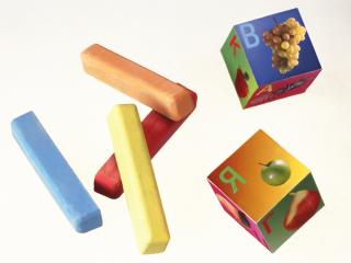 обои для рабочего стола: Мелки и кубики