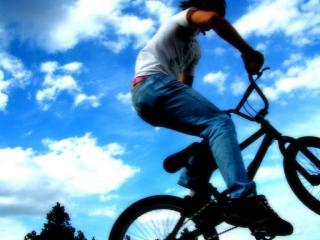обои Jumping - BMX фото