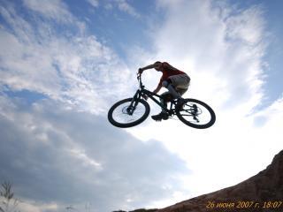 обои Велоспорт - полет фото