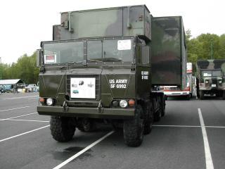 обои Армейский тягач Freightliner фото